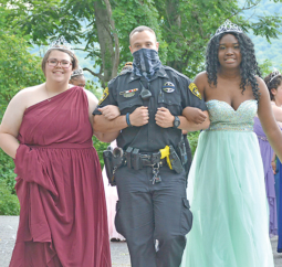 Williamsport Mayor and Local Police Officers Attend Prom at Ashler Manor